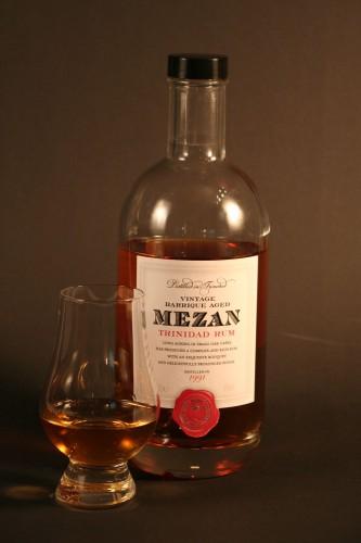 Mezan Trinidad - Glas mit Flasche